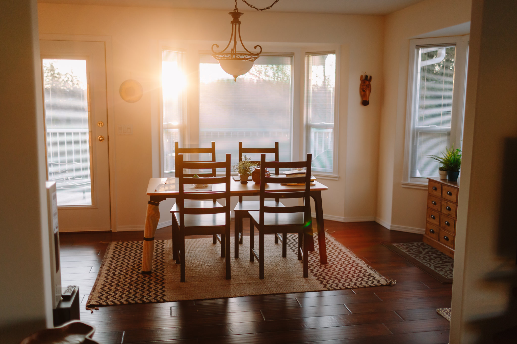 Beautiful evening light in dining room